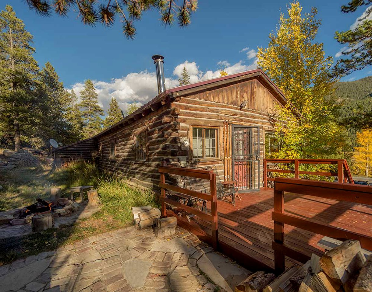 Cabins (Leadville, Colorado, United States)