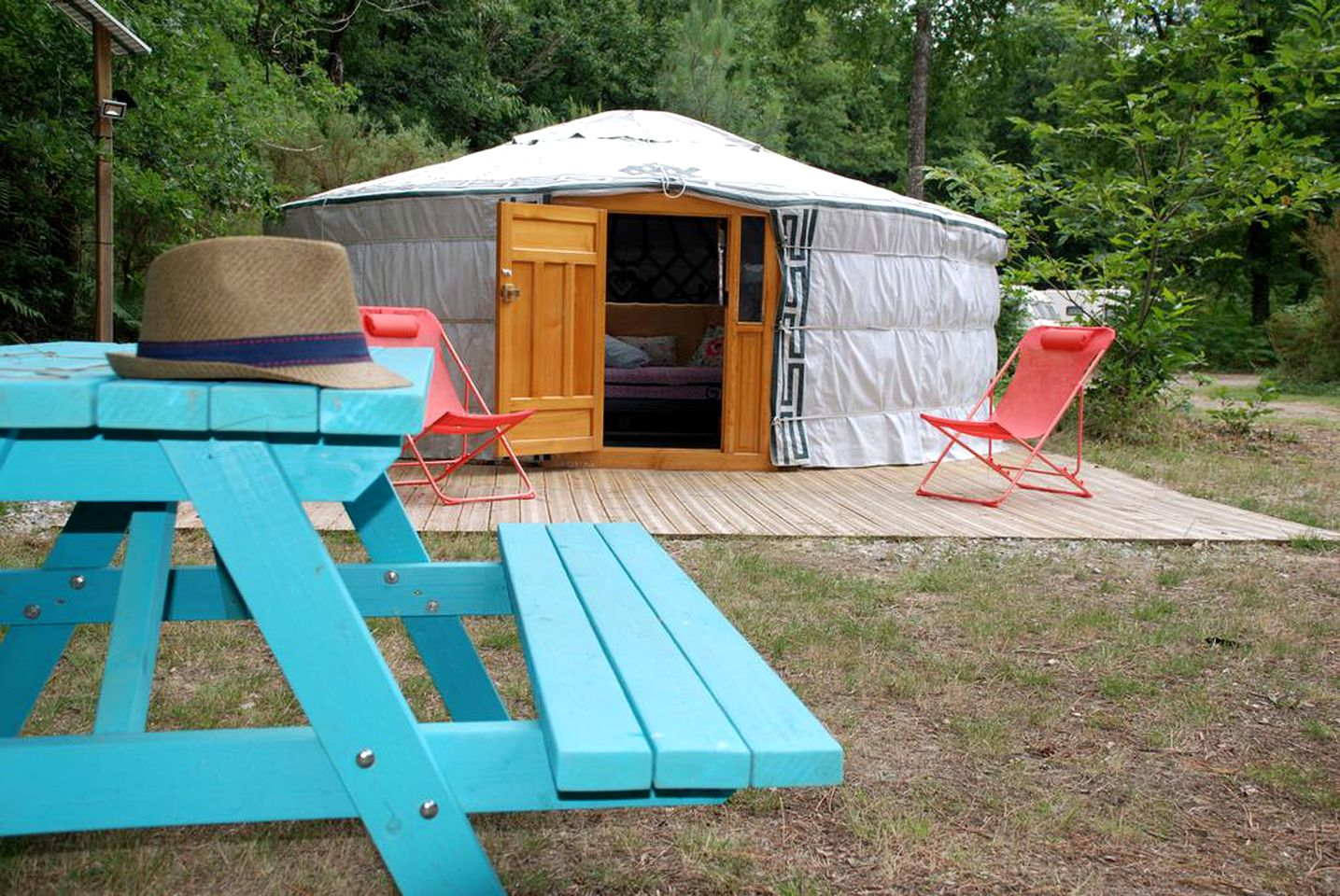 Yurts (Chalandray, Nouvelle-Aquitaine, France)