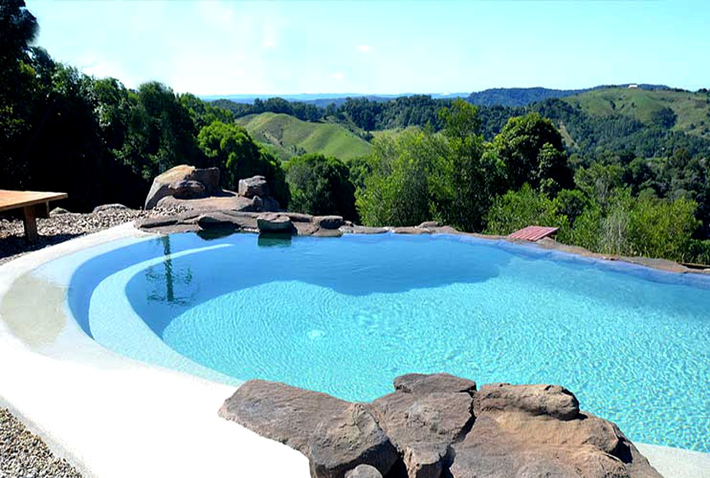 Vacation Rentals (Pinbarren, Queensland, Australia)