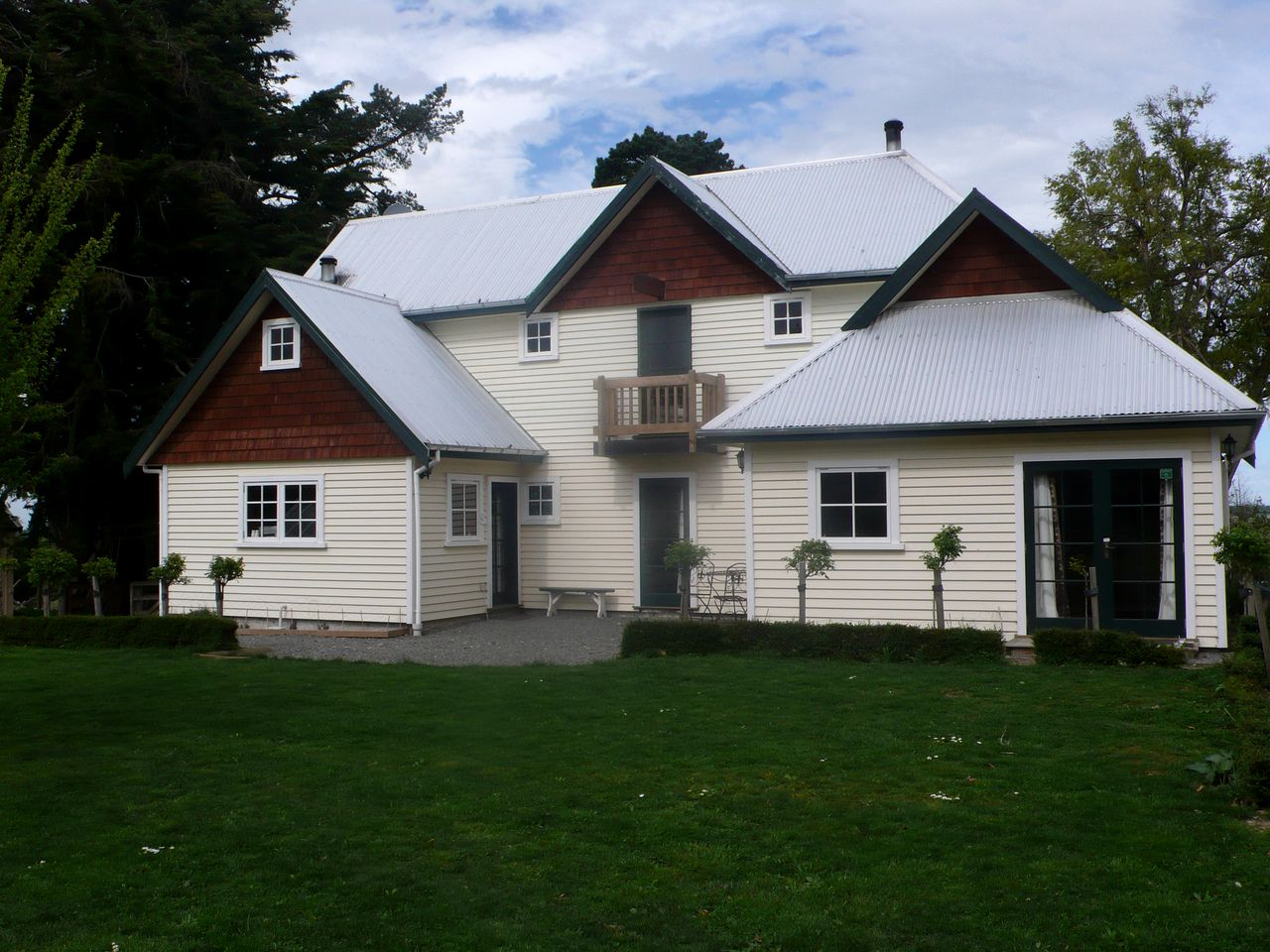 Vacation Rentals (Windwhistle, South Island, New Zealand)