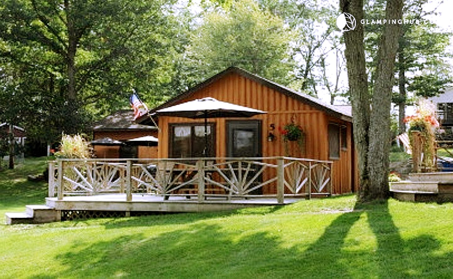 Cabins (West Branch, Michigan, United States)
