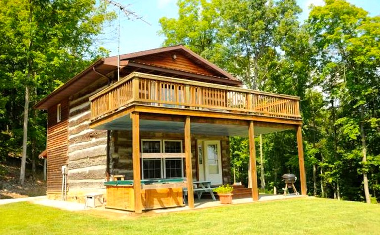 Charming Rustic Cabin Rental near the Hoosier National Forest in Indiana