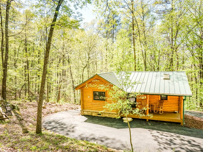 Secluded Log Cabin Rental Near Chattanooga Tennessee In Wildwood Georgia