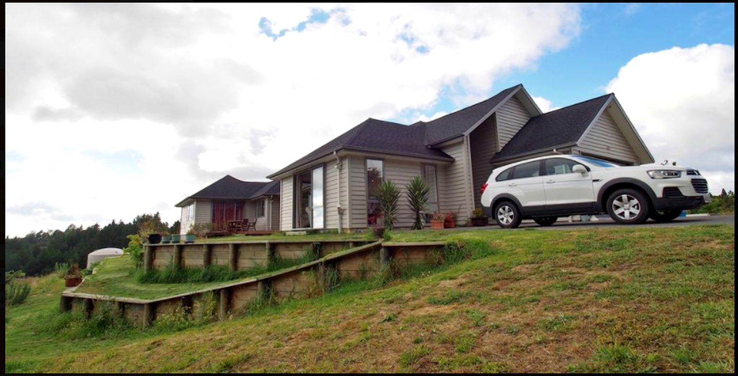 Cabins (Auckland, North Island, New Zealand)