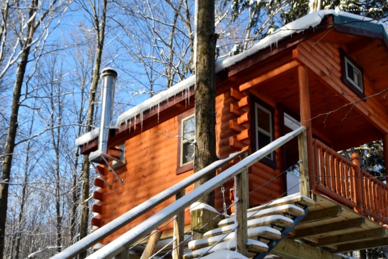 Tree House Cabin Near Sutton Canada