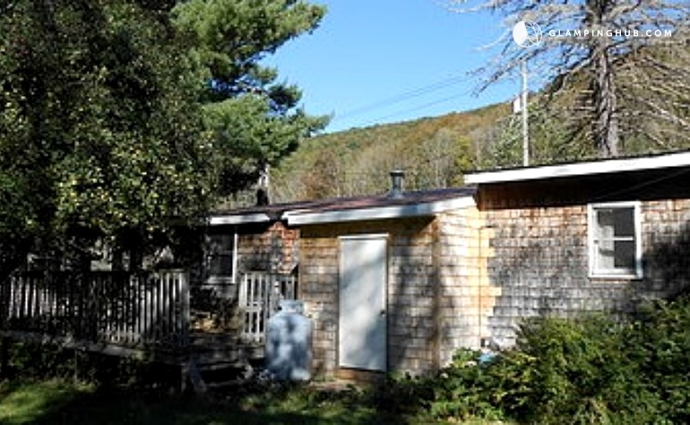 Pet friendly cabin rental in the catskills for Cabins in the catskills