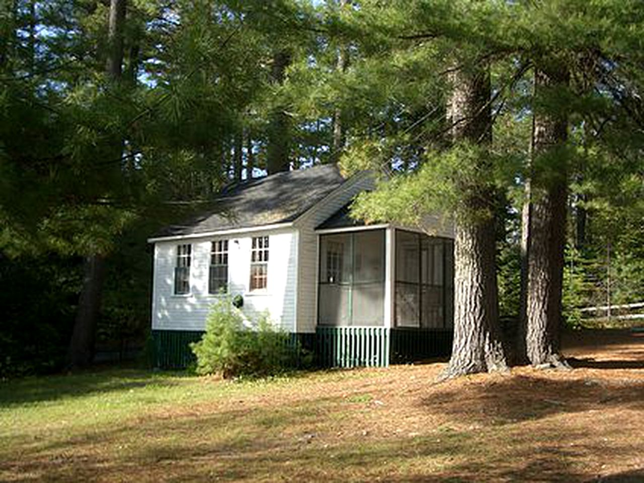 New Hampshire cottage for rent on Lake Winnipesaukee