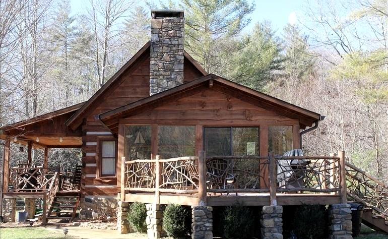 Log Cabin Near The Blue Ridge Mountains, North Carolina