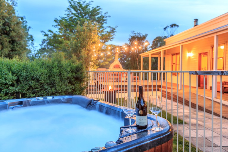 Pet-Friendly Cabin with Hot Tub on Gippsland Lakes near Melbourne, Victoria