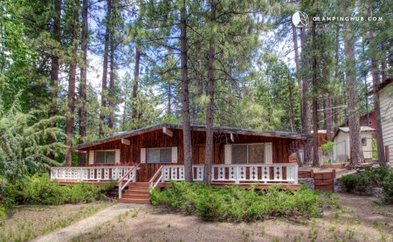 Secluded cabin rental just minutes from marla bay nevada for Cabin rentals in nevada