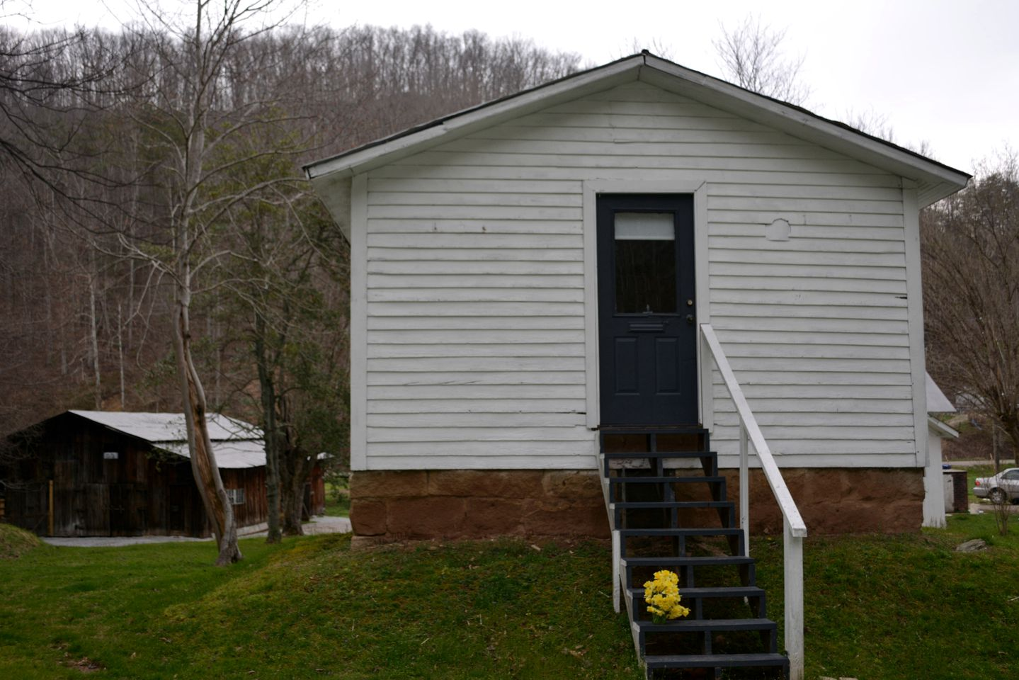 Cabins (Clendenin, West Virginia, United States)