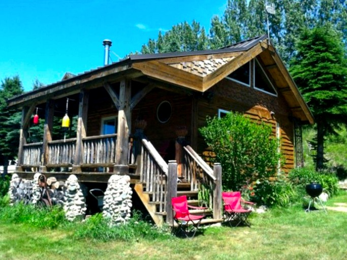 Cozy Cabin With Shared Hot Tub Ideal For A Romantic Getaway In Grand Traverse Bay Area Michigan