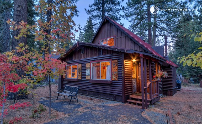 Log cabin on tahoe beach california for Great american log homes