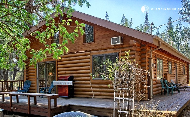cottage california locationphotodirectlink curry cabin national stoneman yosemite dome cabins village park half of in picture