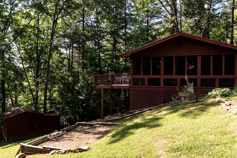 mountain cabin getaway near atlanta georgia
