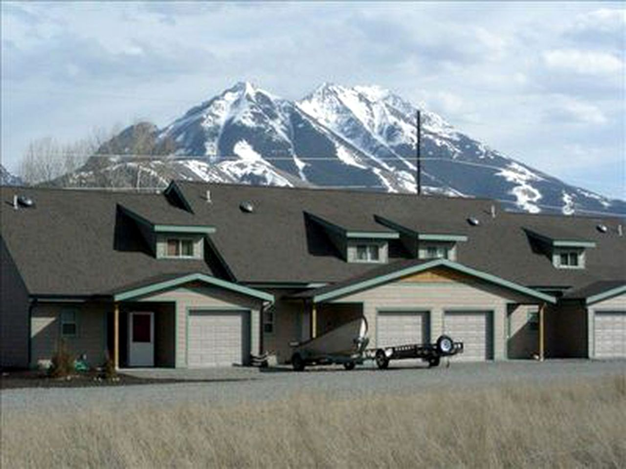 Vacation Rentals (Emigrant, Montana, United States)