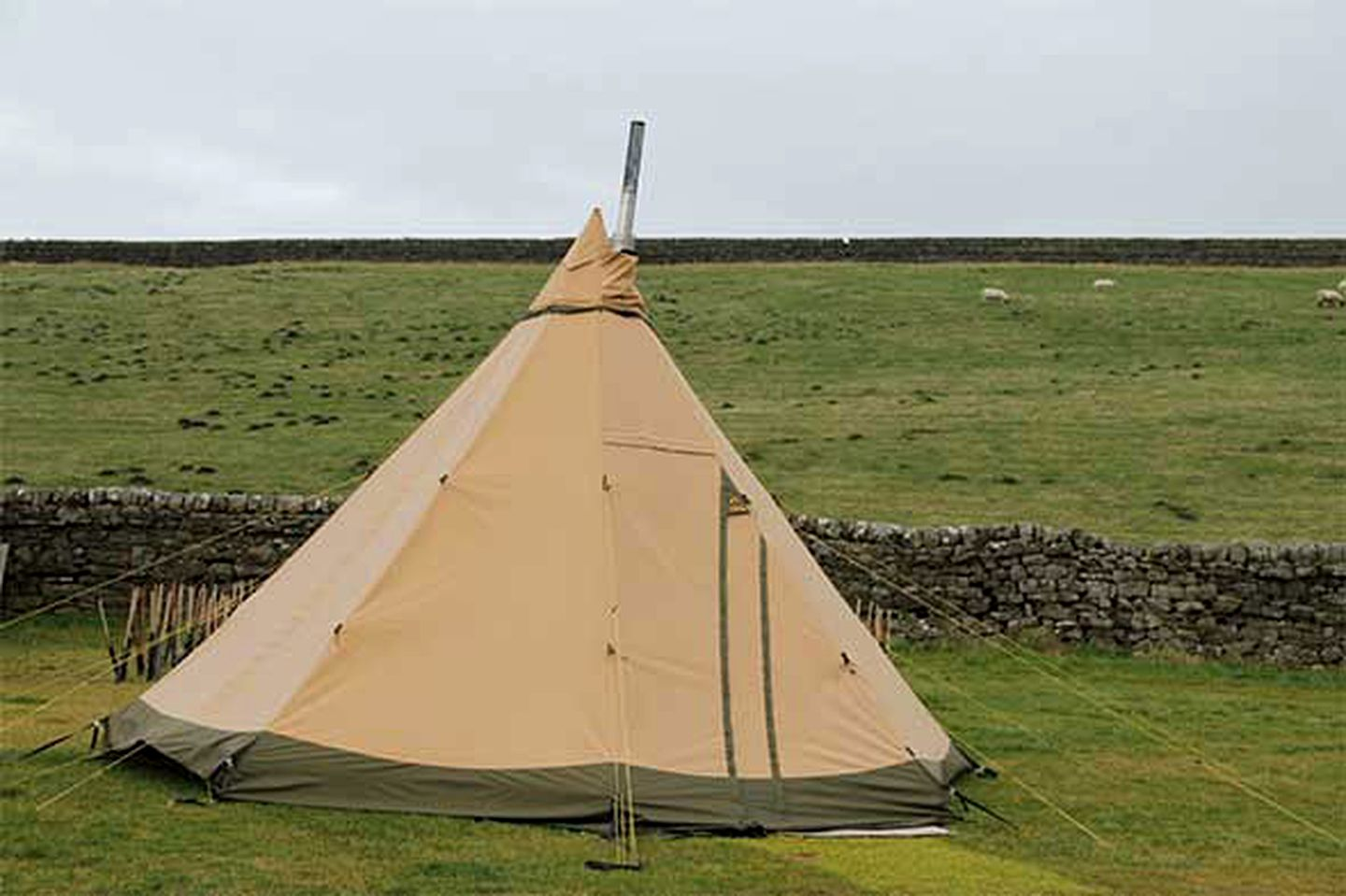 Tipis (Northumberland, England, United Kingdom)
