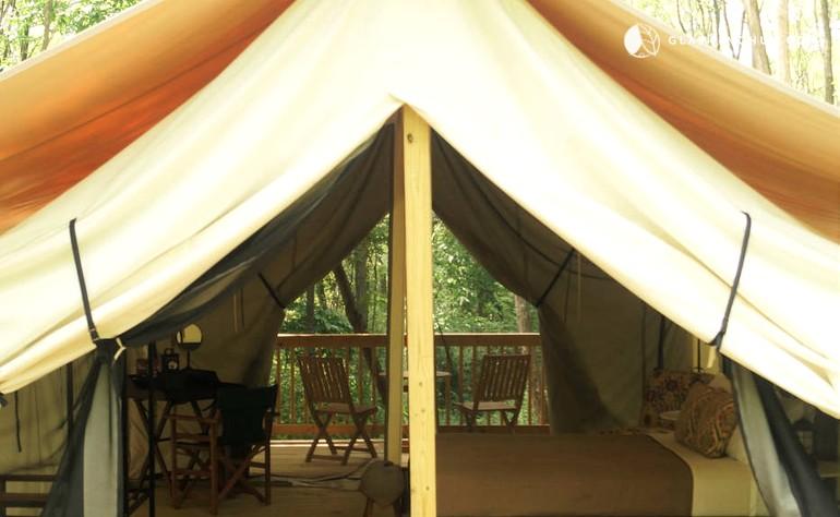& Cozy Safari Tent Rentals in Finger Lakes Region
