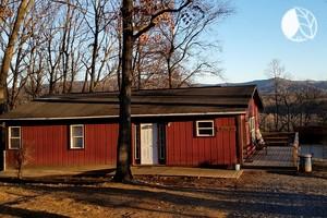 Luxury camping in virginia glamping in virginia for Cabin rentals near lexington va