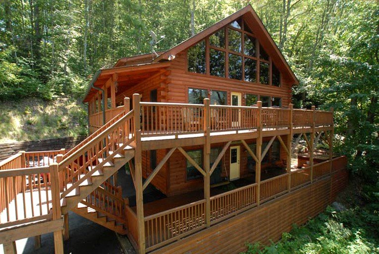Luxury Three Story Cabin Rental For Large Groups Near Great Smoky Mountains National Park