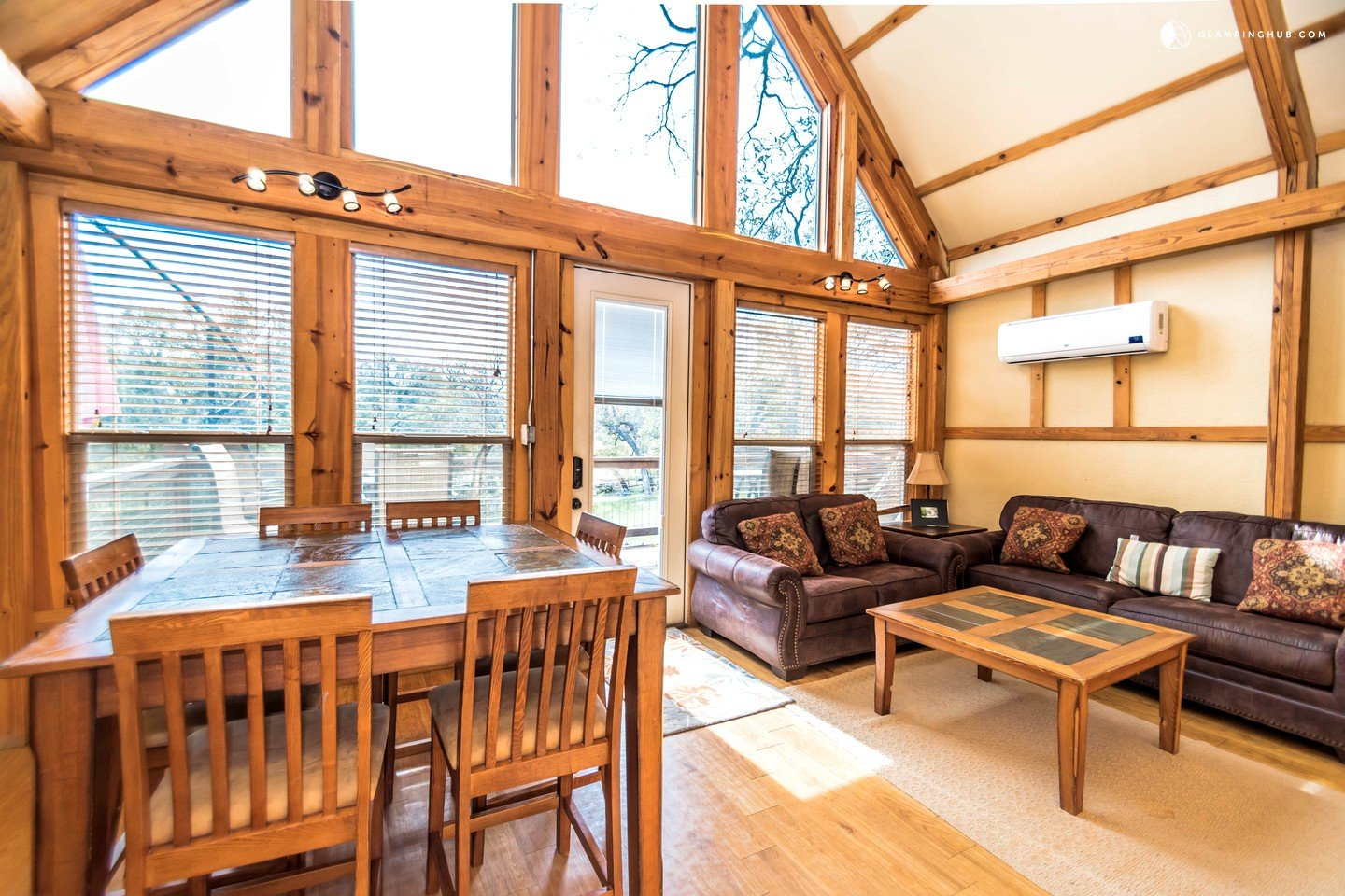 New Braunfels Camping >> Tree House Rentals in New Braunfels