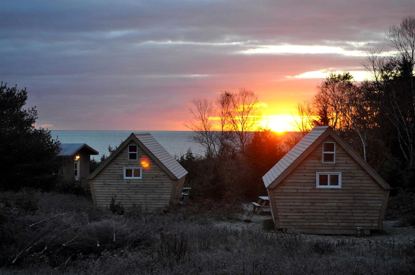 Cabins (Ingonish Beach, Nova Scotia, Canada)