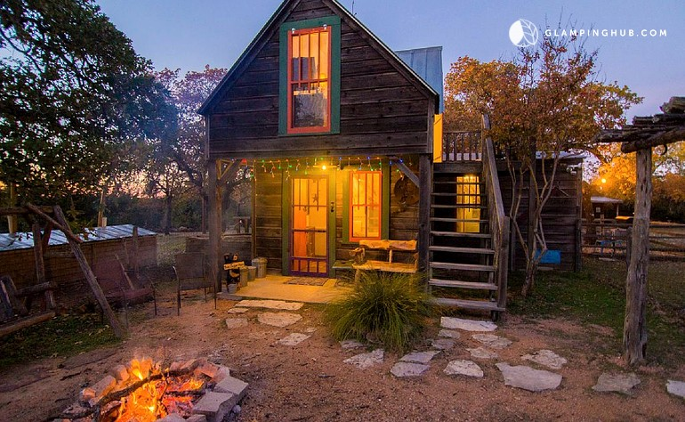knopp carson breakfasts tx and carsons s fredericksburg school guesthouses road large bed cabins cabin