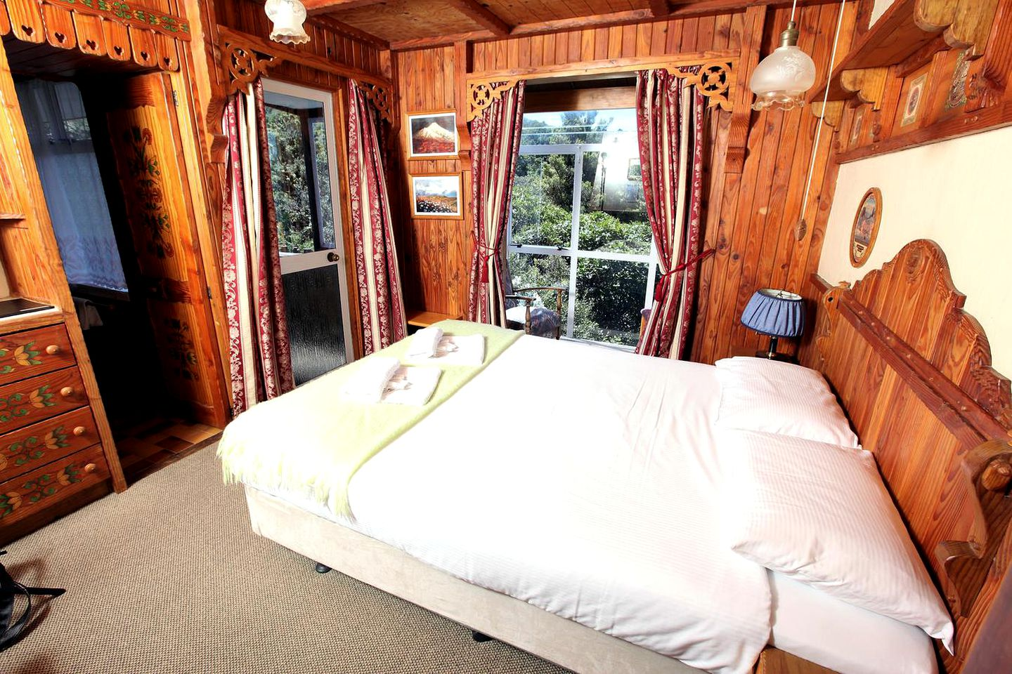 Nature Lodges (Kaponga, North Island, New Zealand)