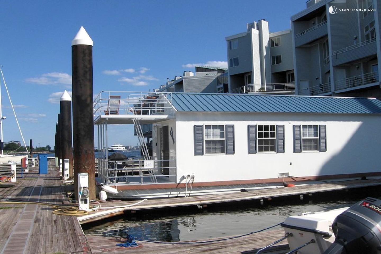 Houseboat Rental In Boston Massachusetts