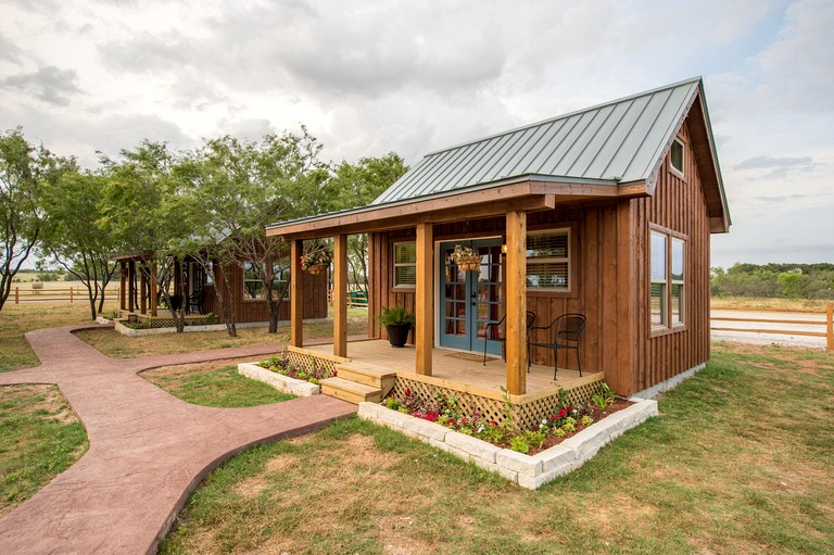Tiny House Cabin Rental In A Peaceful Rural Setting In Waco Texas