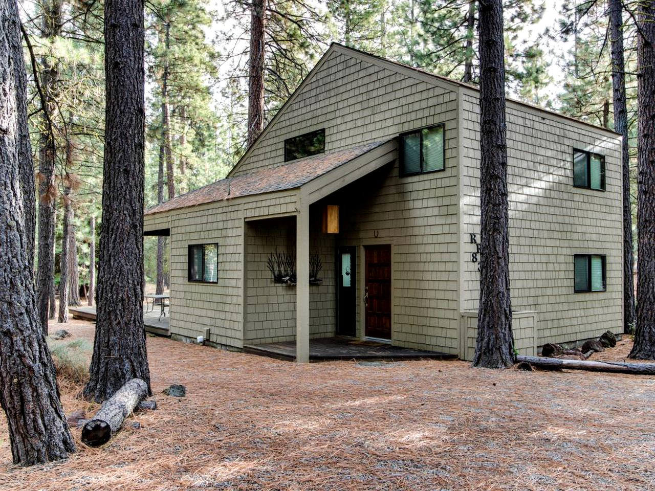 Cabins (Black Butte Ranch, Oregon, United States)