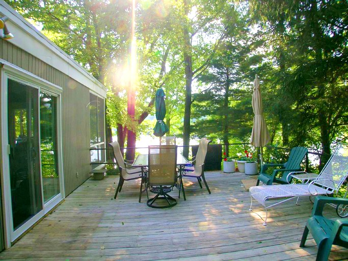 Pleasant Delightful Vacation Rental With A Private Dock On Candlewood Lake In Connecticut Home Remodeling Inspirations Propsscottssportslandcom