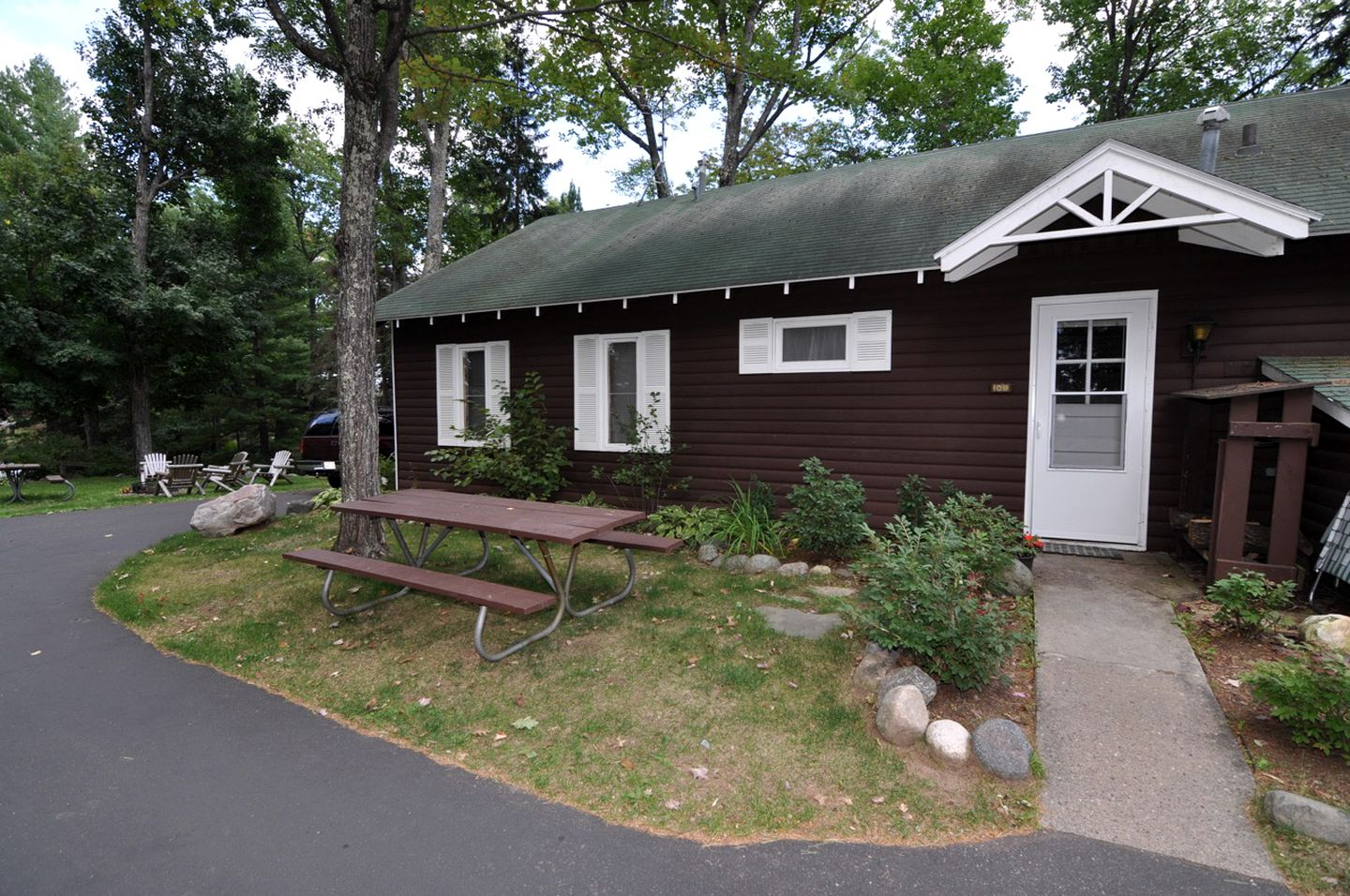 Cabins (Lac du Flambeau, Wisconsin, United States)