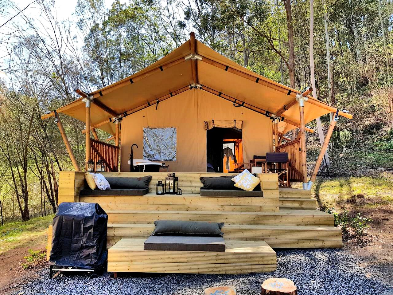 This fantastic Grose Vale accommodation is the perfect romantic getaway near Sydney. Holiday rentals don't come more tranquil!