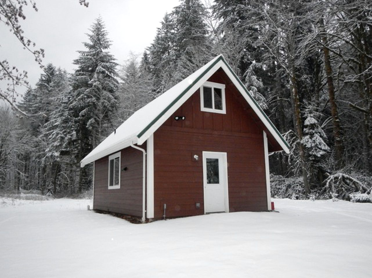 Cabins (Glacier, Washington, United States)