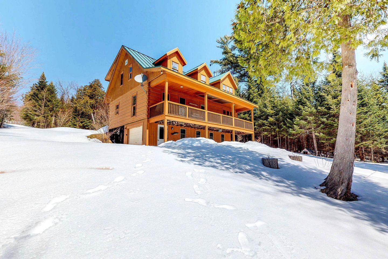 Extraordinary Dog-Friendly Vacation Rental for Families near Moosehead  Lake, Maine