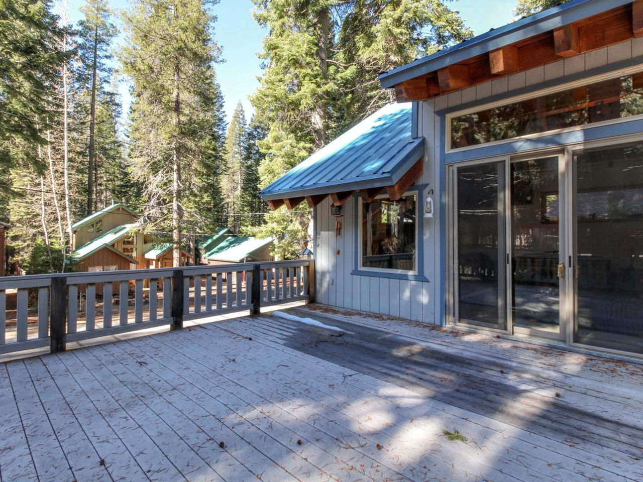 Log Cabins (Truckee, California, United States)