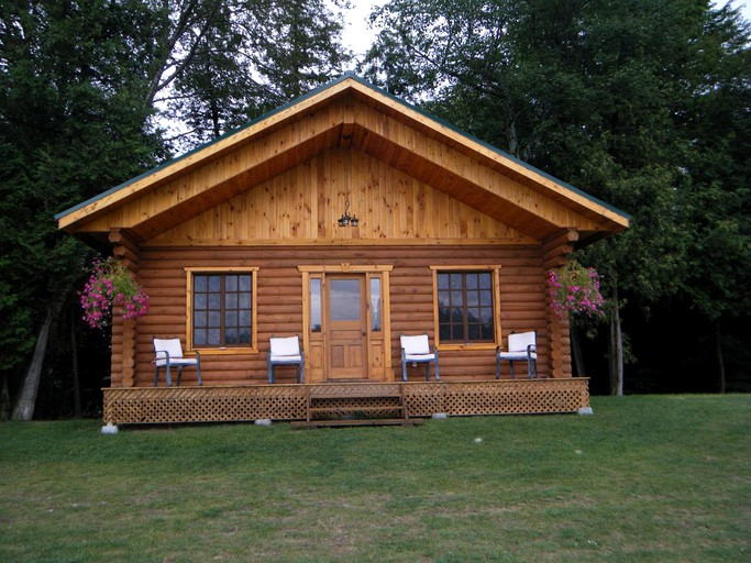 Fabulous Stunning Waterfront Log Cabin Rental With Fireplace Between Ottawa Ontario And Montreal Quebec Home Interior And Landscaping Analalmasignezvosmurscom