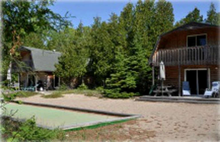 Remarkable Spacious Cottage Rental By The Beach On Lake Huron In Dominion Bay Ontario Home Interior And Landscaping Mentranervesignezvosmurscom