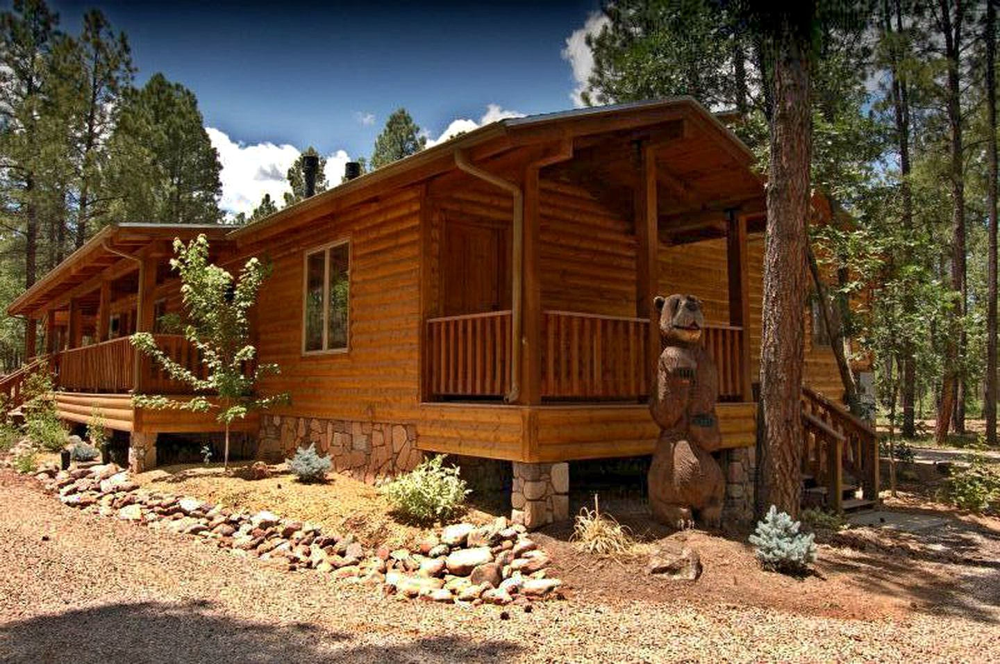 Family-friendly Pinetop cabins for rent