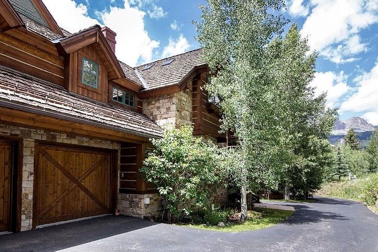 Luxurious Cabin Rental With Mountain Views In Telluride Colorado