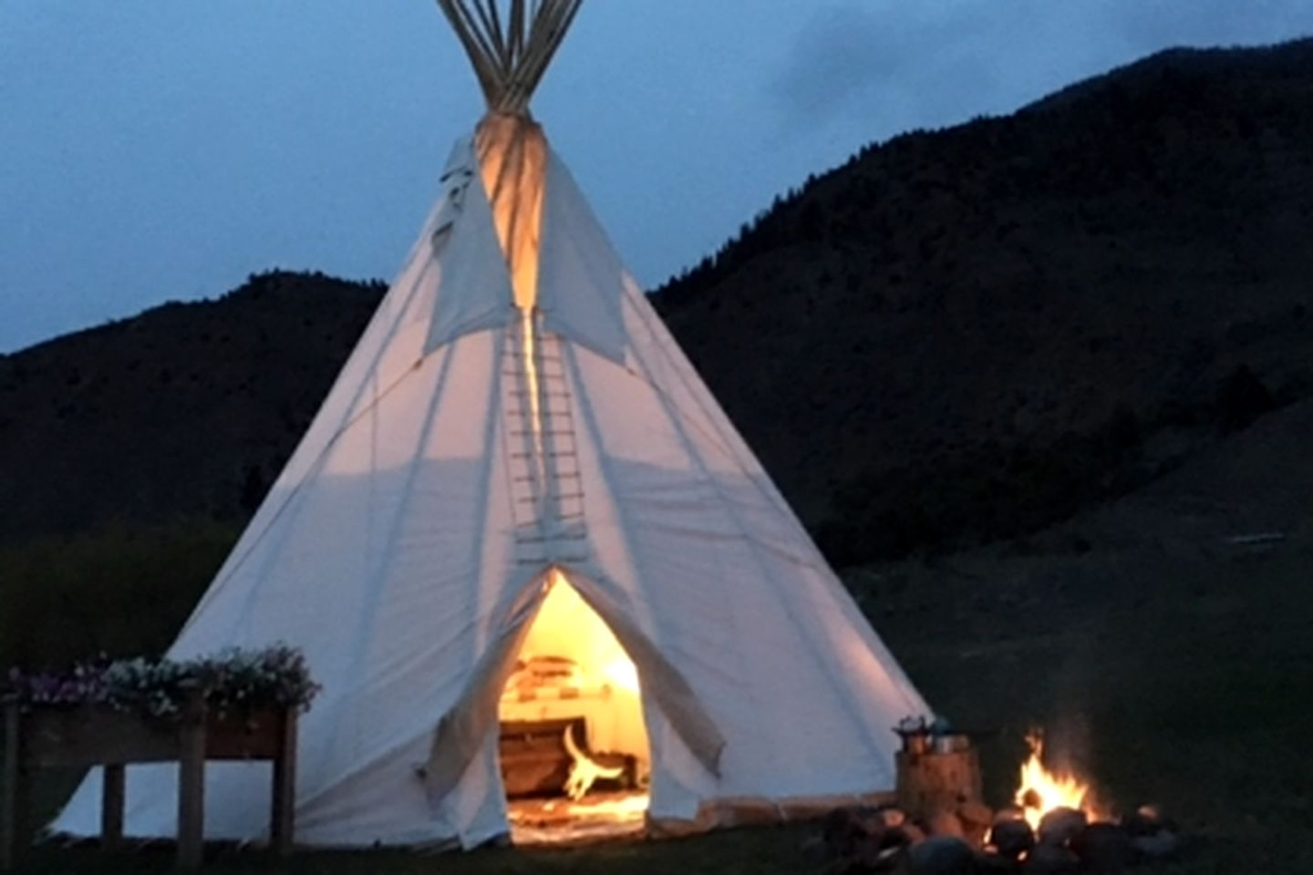 Unique tipi rental in Yellowstone's Boiling River
