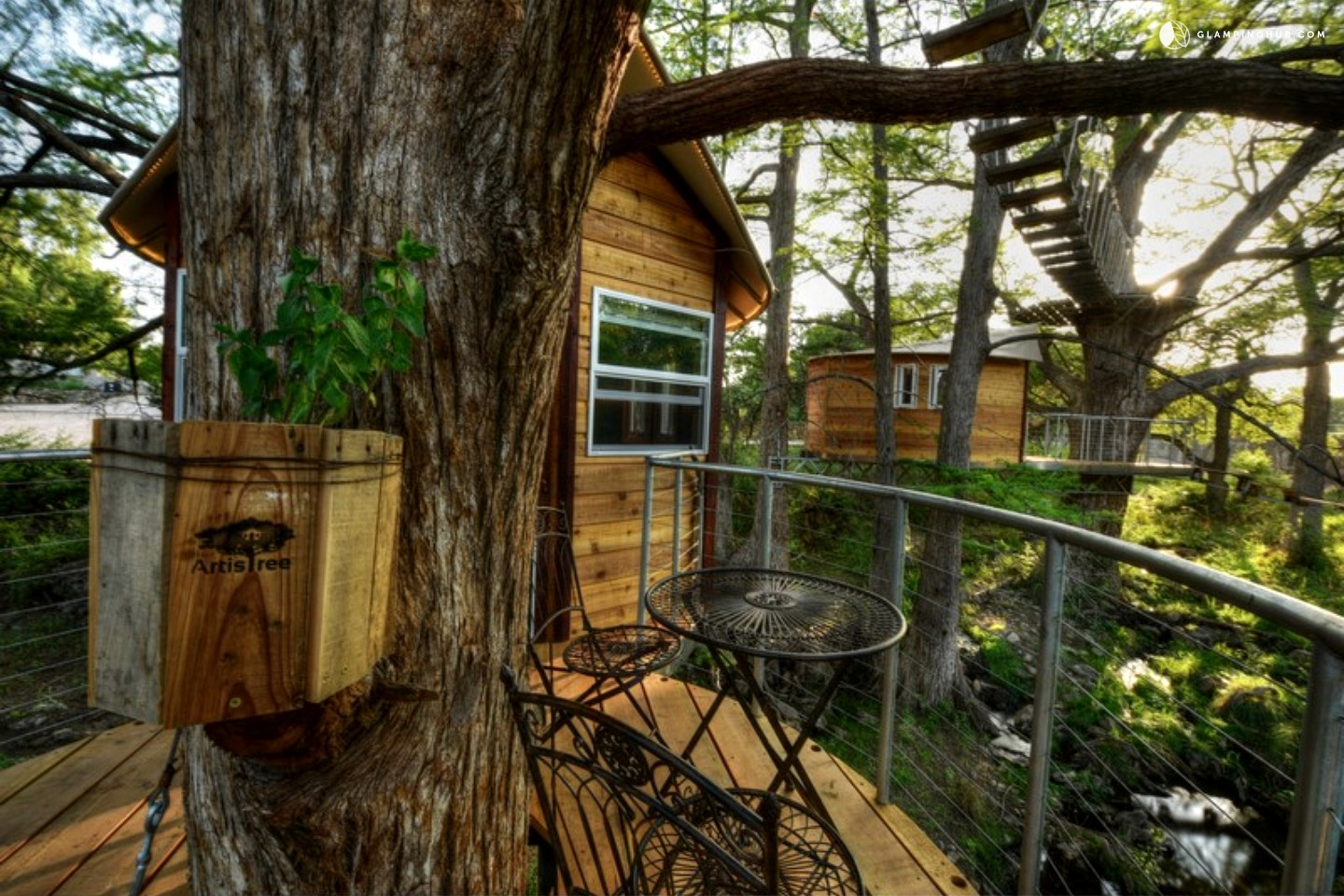 Tree house rentals near austin for Juniper house