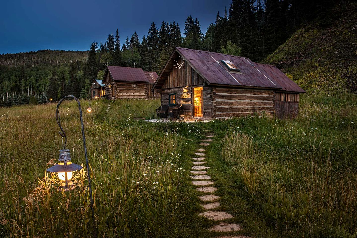 Cabins (Dolores, Colorado, United States)