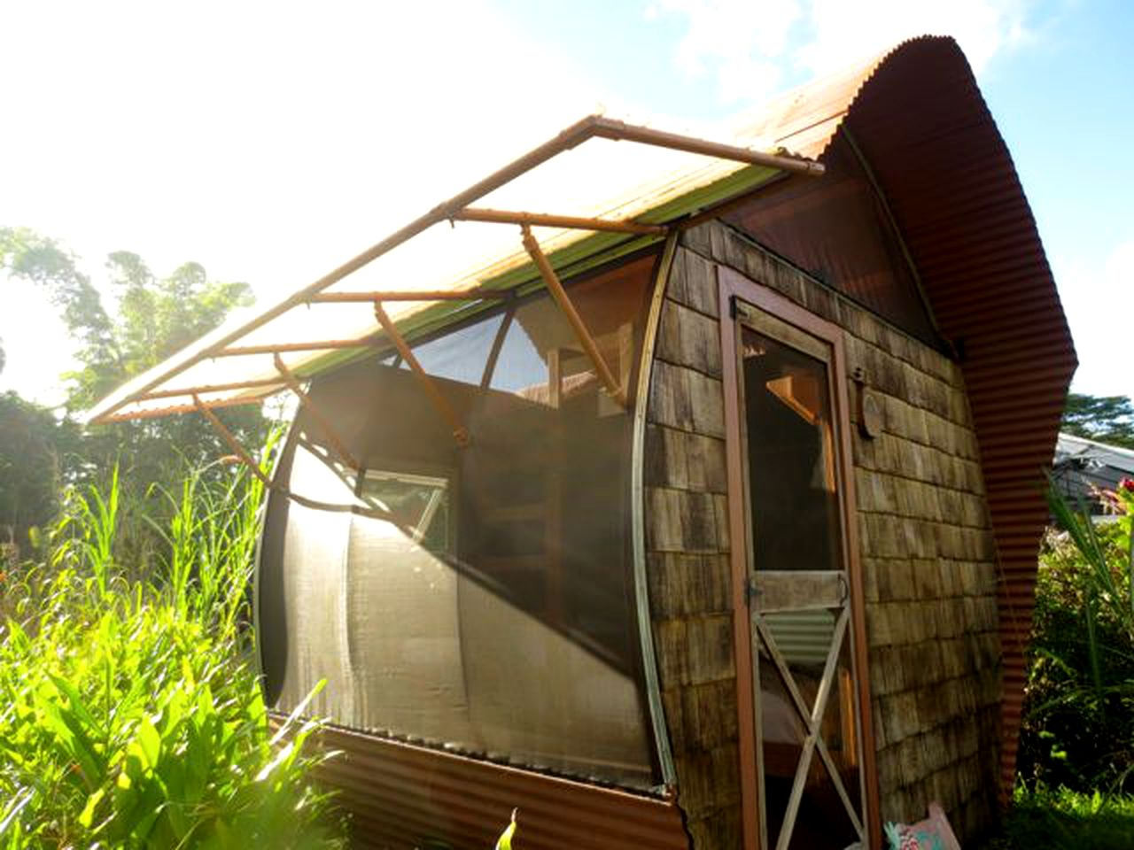 Pahoa accommodations on a sustainable farm in Hawaii.