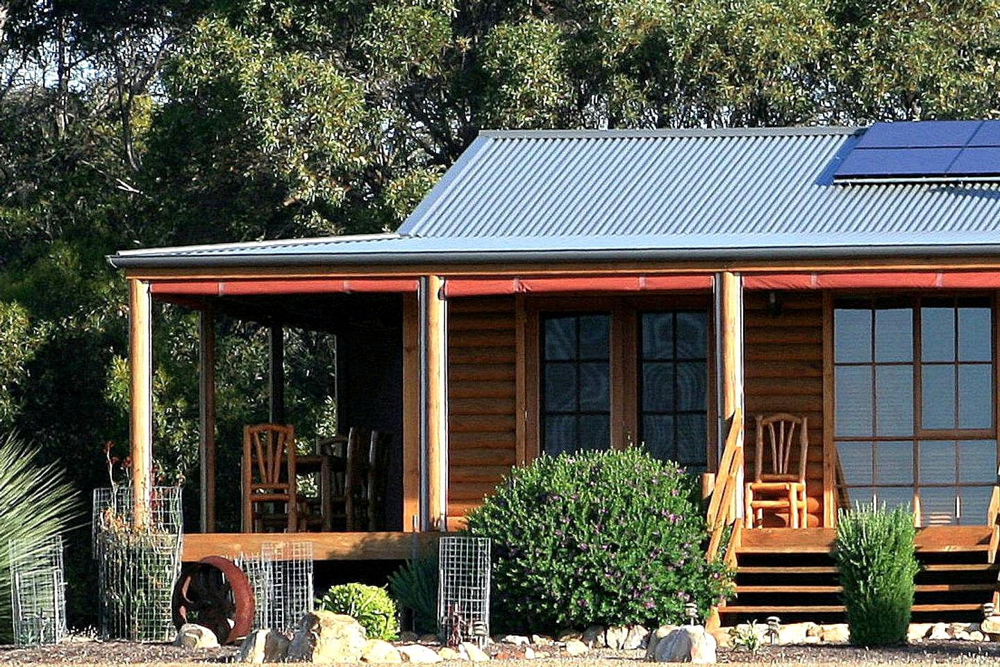 Log Cabins (Kangaroo Island, South Australia, Australia)