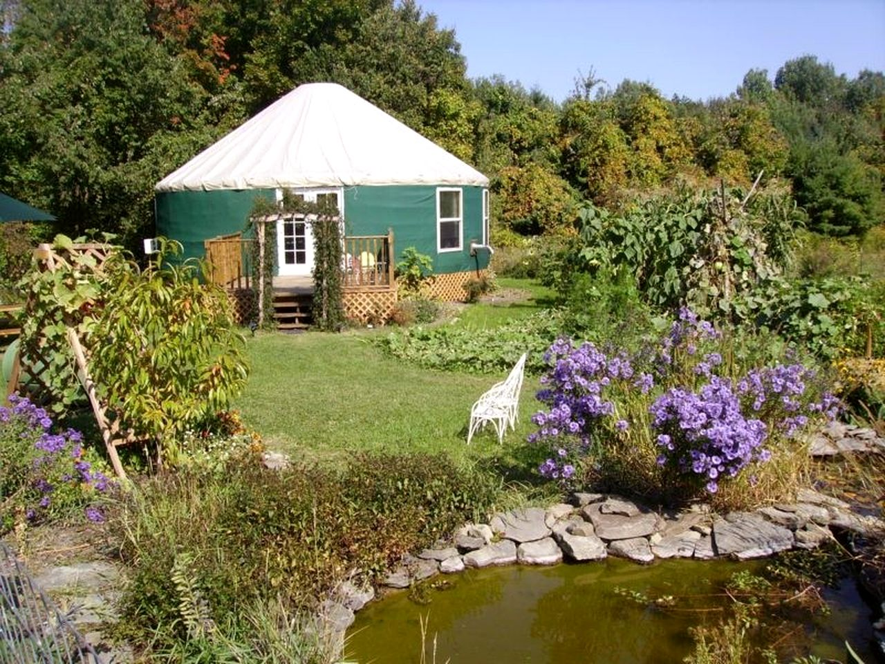 Yurts (Newfield, New York, United States)
