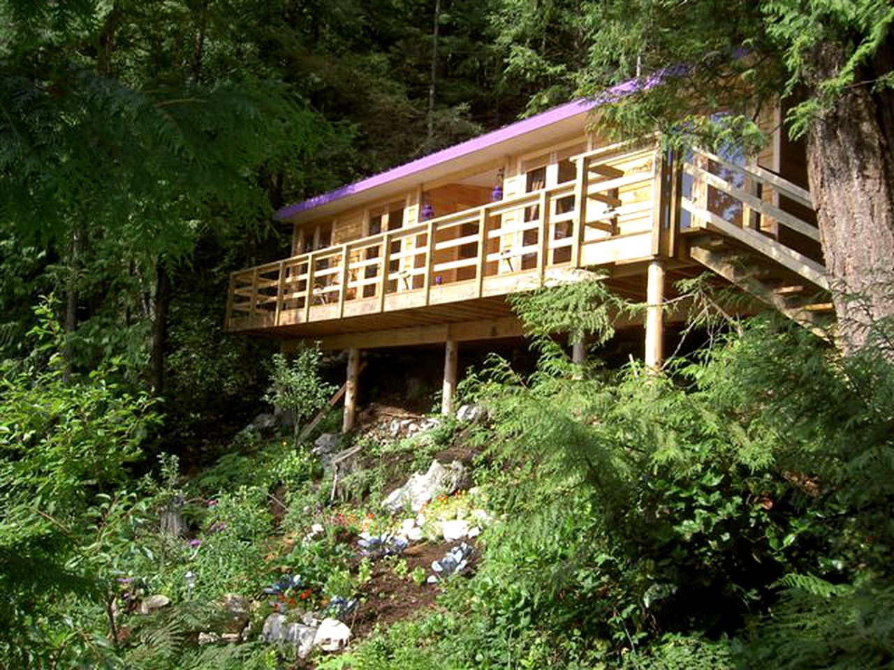 Cabins (Harrison Hot Springs, British Columbia, Canada)