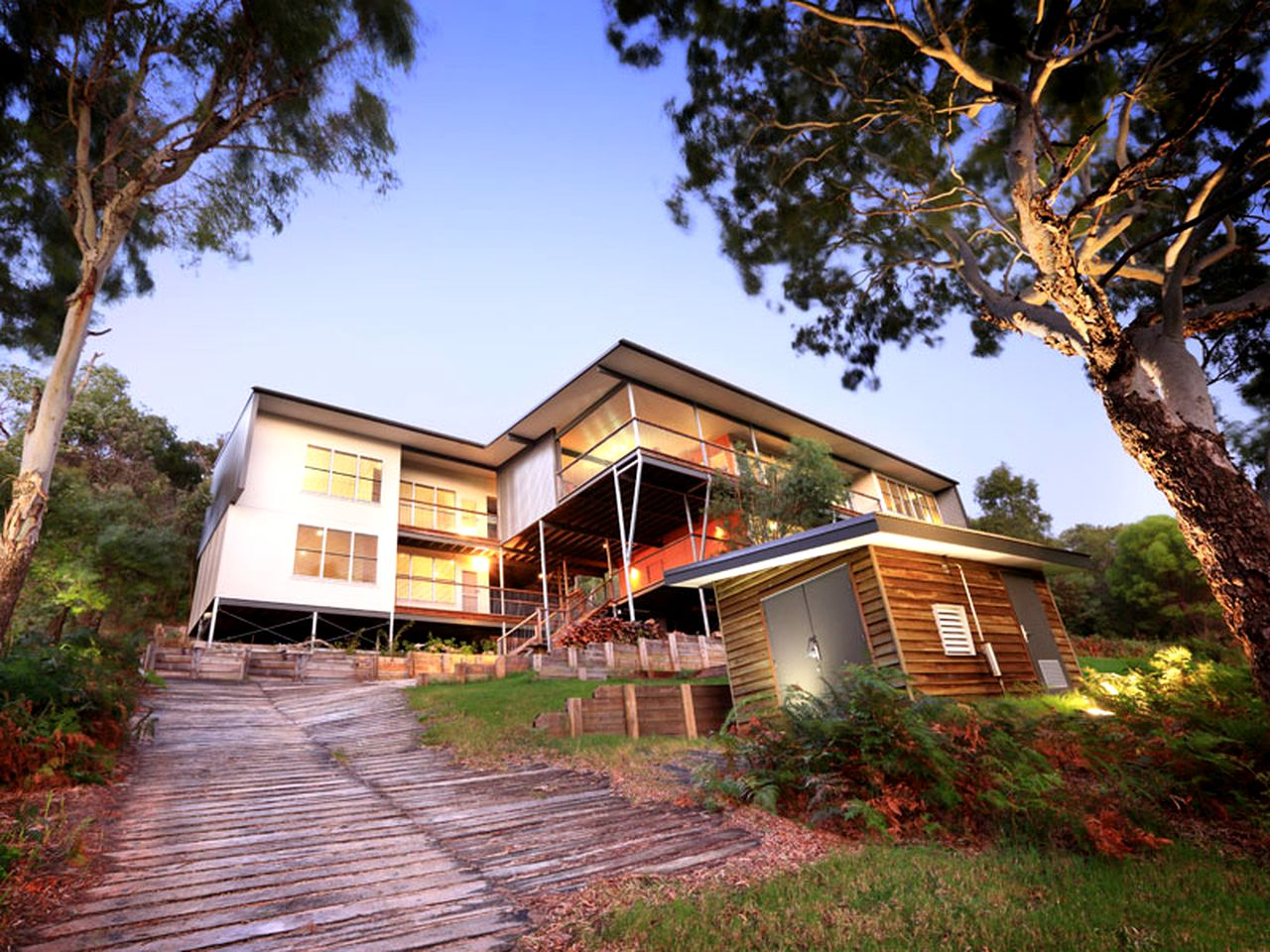 Fraser Island beach lodge for a holiday in Queensland.