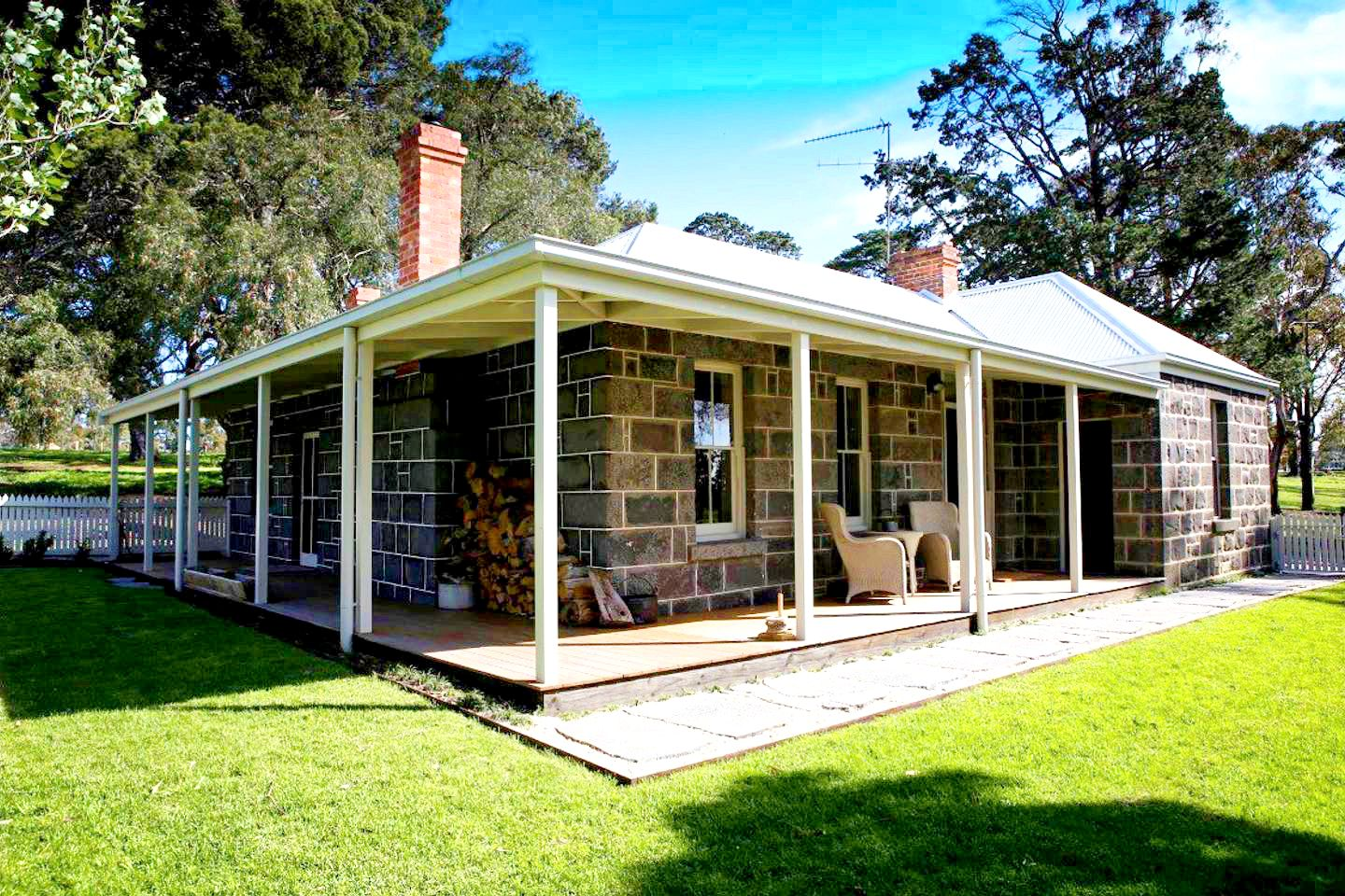 Cottages (Hesse, Victoria, Australia)